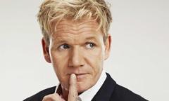 Gordon Ramsay - đầu bếp ưa chửi thề lỡ nghiệp quần đùi áo số