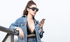 Jolie Nguyễn khoe vòng một dao kéo ở sân bay