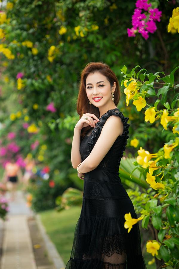 Bà mẹ ba con cho biếtngoài các tiêu chí chung của ban tổ chức, cô tự đặt ra những tiêu chí riêng cho mình khi ngồi ghế nóng. Với những thí sinh người gốc Việt đang định cư ở nước ngoài, cô coi trọng việc họ nói lưu loát tiếng mẹ đẻ, đồng thời giữ được những nét truyền thống văn hoá của đất nước.