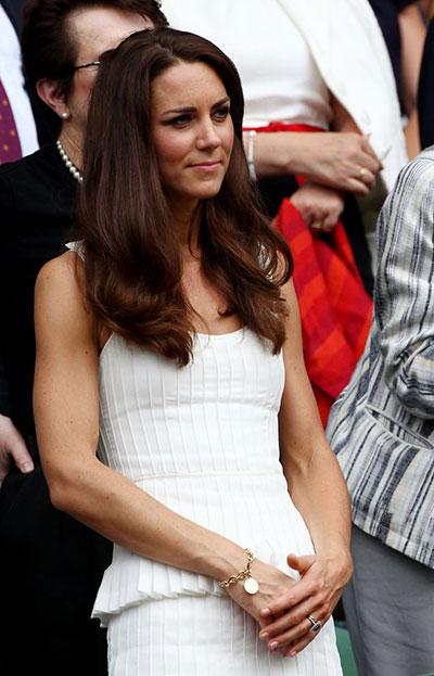 Những món quà đắt giá Kate được nhận từ khi làm dâu hoàng gia Anh - 4