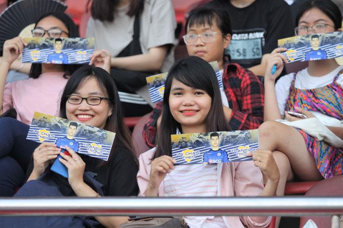 Sau vòng chung kết U23 Châu Á, trung vệ Trần Đình Trọng trở thành thần tượng trong trái tim rất nhiều CĐV nữ.