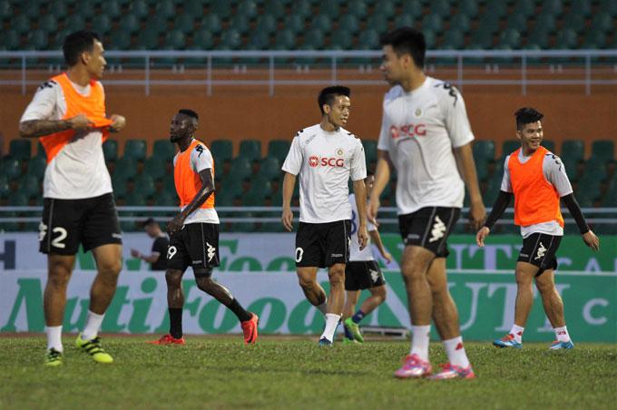Hà Nộisở hữu đội hình mạnh và có chiều sâu. Thầy trò HLV Chu Đình Nghiêm đang băng băng tới chức vô địch mà gần như không gặp phải trở ngại nào.