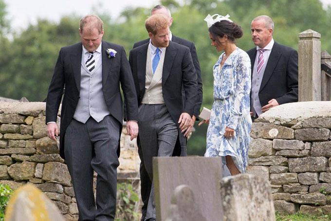 Vợ chồng Harry sánh đôi dự đám cưới của cháu Công nương Diana - 1