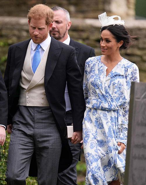 Vợ chồng Harry sánh đôi dự đám cưới của cháu Công nương Diana - 2