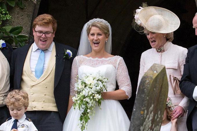 Vợ chồng Harry sánh đôi dự đám cưới của cháu Công nương Diana - 5
