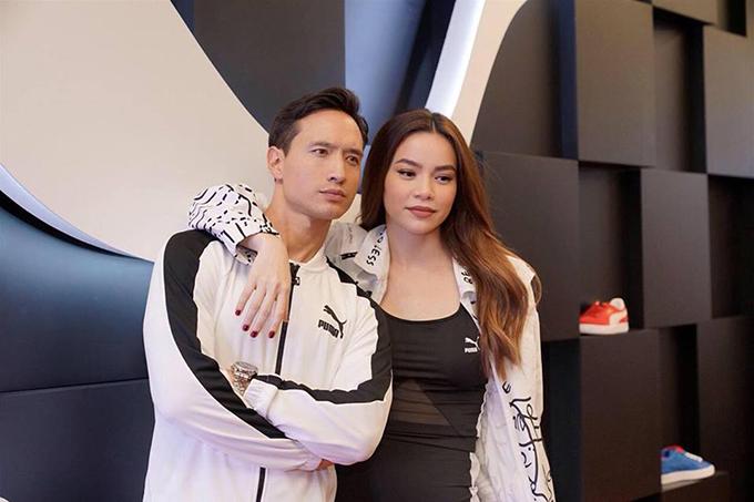 Kim Lý và Hồ Ngọc Hà tình tứ xuất hiện tại một sự kiện thời trang thể thao.
