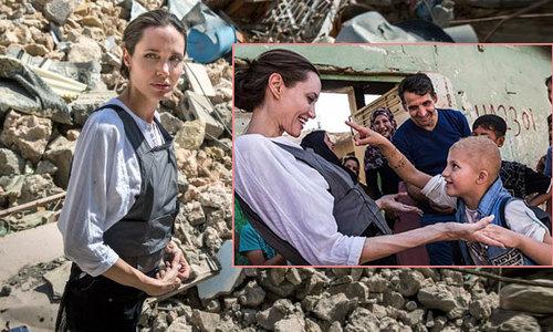 Angelina Jolie thăm thành phố ở Iraq bị tàn phá trong cuộc chiến với quân ISIS