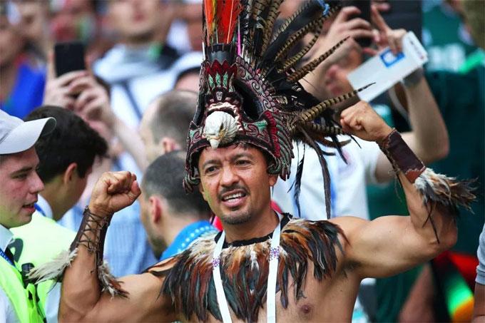 Tại Mexico, âm nhạc, vũ điệu nón và rượu là những nét văn hóa nổi bật. CĐV Trung Mỹ mang điều này tới Nga trình diễn dịp World Cup.