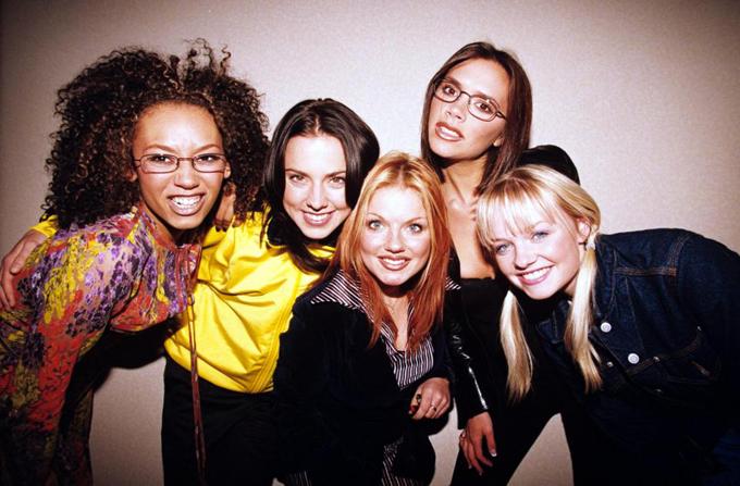 Spice Girls đã tan rã 17 năm và Posh là người không hứng thú tái hợp biểu diễn nhất.