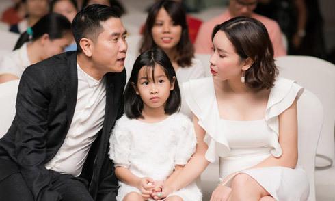 Vợ chồng Lưu Hương Giang hiếm hoi đưa con gái đi sự kiện