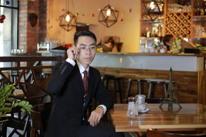 Anh Ngô Duy Uyên Linh - |Giám đốc công ty TNHH Dược Phẩm V-life. Ảnh: NVCC.