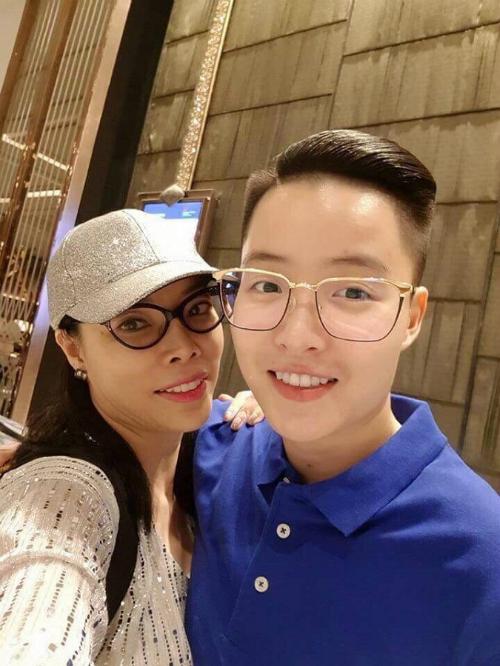 Sau khi chính thức kết hôn hợp pháp tại Mỹ vào đầu tháng 1 vừa qua, cả hai quyết định tổ chức lễ cưới tại khách sạn Marriott, Hà Nội trong tháng 6.