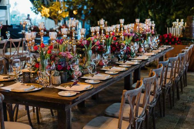 Chuẩn bị câu hỏi kỹ lưỡng sẽ giúp bạncó thêm nhiều thuận lợi khi đặt tiệc cưới. Ảnh: Pinterest.