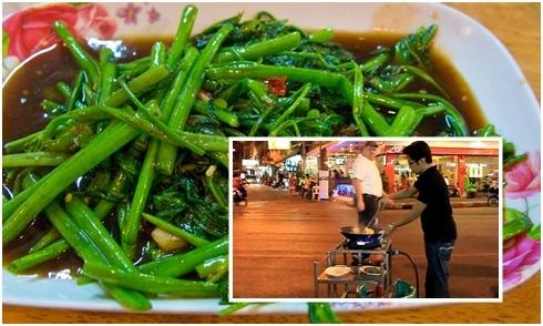 Tuyệt kỹ 'rau muống xào tỏi bay' ở Thái Lan khiến du khách thích thú