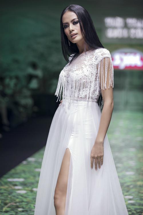 Váy cưới trắng tinh khôi cho nàng dáng chuẩn - 1