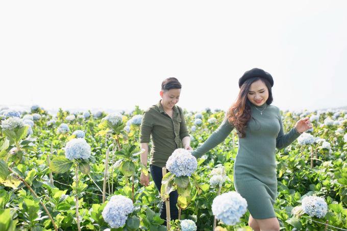 Vào đến nhà, ba của Khánh Ngân nói với cô: Hai đứa sống đừng quan tâm đến dư luận, đạp lên chúng mà sống. Với câu nói ấy của ba, cả hai chỉ biết vỡ òa trong hạnh phúc.