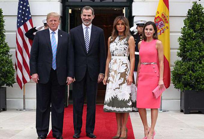 Ngày 19/6, Tổng thống Mỹ Donald Trump và vợ, Đệ nhất phu nhân Melania, có buổi tiếp đón Nhà vua Tây Ban Nha Felipe VI và vợ, Hoàng hậu Letizia, ở Nhà Trắng, thủ đô Washington. Đây là lần đầu tiên vua Felipe VI gặp người đứng đầu nước Mỹ nhưng là lần thứ 6 ngài tới tòa Bạch Ốc.