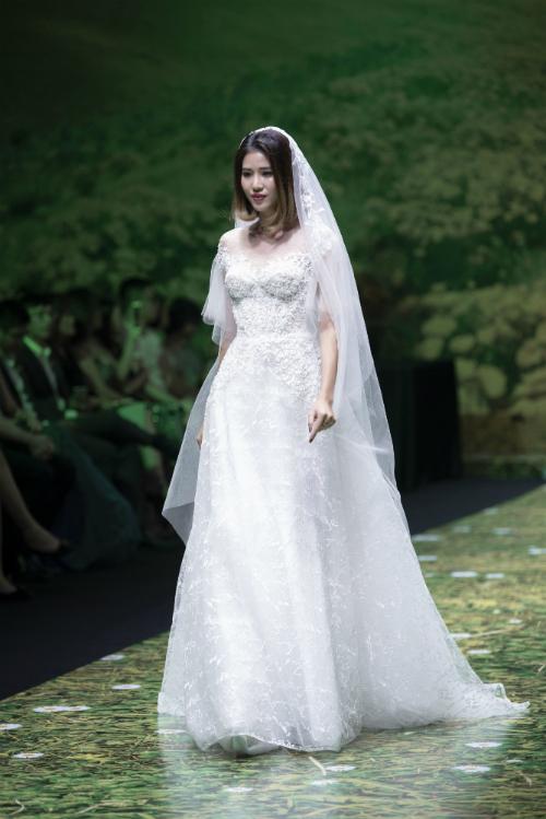 Váy cưới trắng tinh khôi cho nàng dáng chuẩn - 5