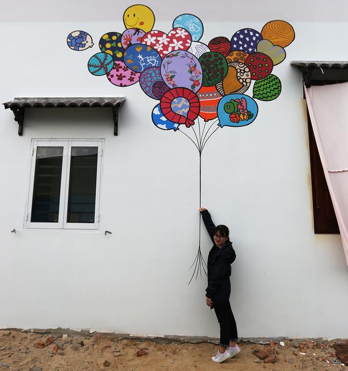 Ngôi làng bích họa đầu tiên ở Việt Nam 'mặc thêm áo mới'