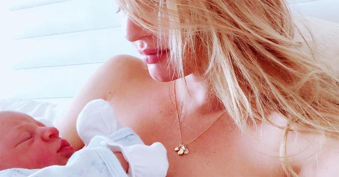 Candice bên con trai bé bỏng.