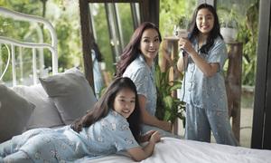 Thúy Hạnh vui đùa cùng hai con gái