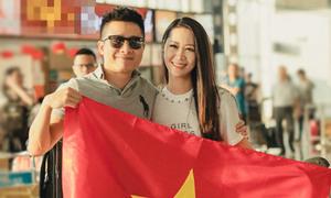 Ông xã ra sân bay tiễn Dương Thùy Linh đi thi Mrs Worldwide