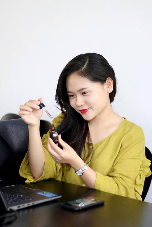 Thiên Ân trở thành CEO một công ty mỹ phẩm ở tuổi 24.