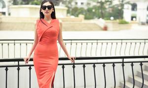 Á hậu Tú Anh thanh lịch, quyến rũ trong BST mùa hè của NTK Helene Hoài