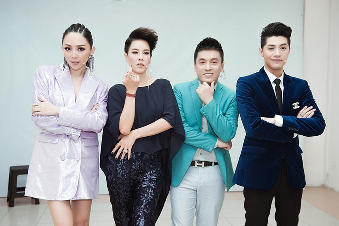 Dàn huấn luyện viên của The Voice 2018 bao gồm Tóc Tiên, Thu Phương, Lam Trường và Noo Phước Thịnh.