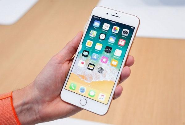 Apple kỳ vọng vào iPhone màn hình LCD giá rẻ năm 2018