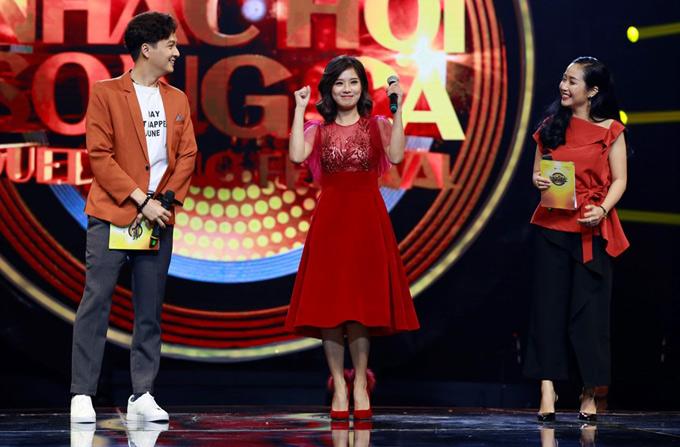 MC Ốc Thanh Vân cùng Ngô Kiến Huy dẫn dắt chương trình này. Tập 11 Nhạc hội song ca 2018 phát sóng vào 19h ngày chủ nhật,24/6 trên kênh HTV7.