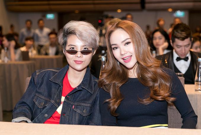 Vũ Cát Tường và Minh Hằng là hai trong ba đại sứ của kênh truyền hình giải trí mới này.