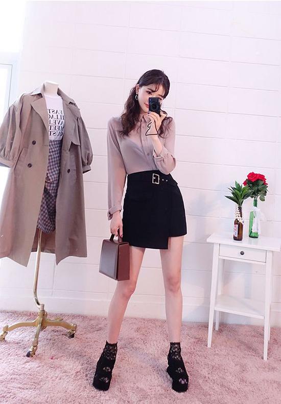 Những mẫu chân váy ngắn hợp mốt mùa hè, vừa có thể mix đồ văn phòng vừa có thể sử dụng làm trang phục dạo phố.
