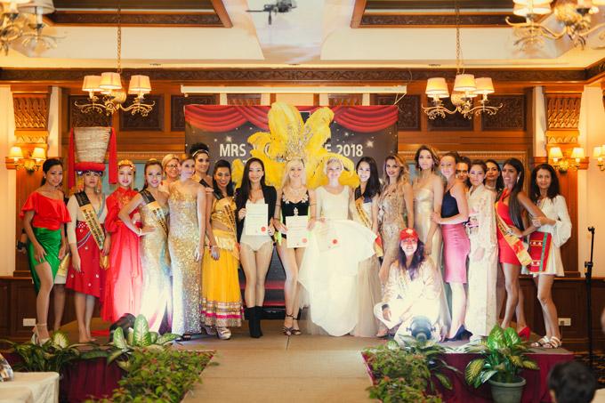 Các thí sinh khoe sắc trong đêm thi Tài năng tại Malaysia.