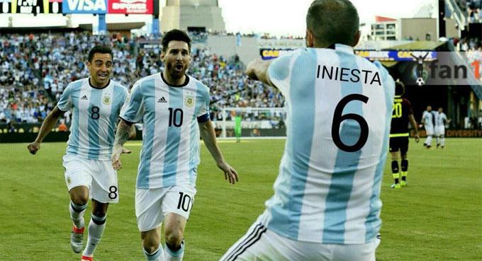 Messi có lẽ nhớ đến hai đồng đội chơi ăn ý là Xavi và Iniesta ở Barca. Hiện tại,anh không có sự hỗ trợ đủ để tỏa sáng ở tuyển xứ tango.