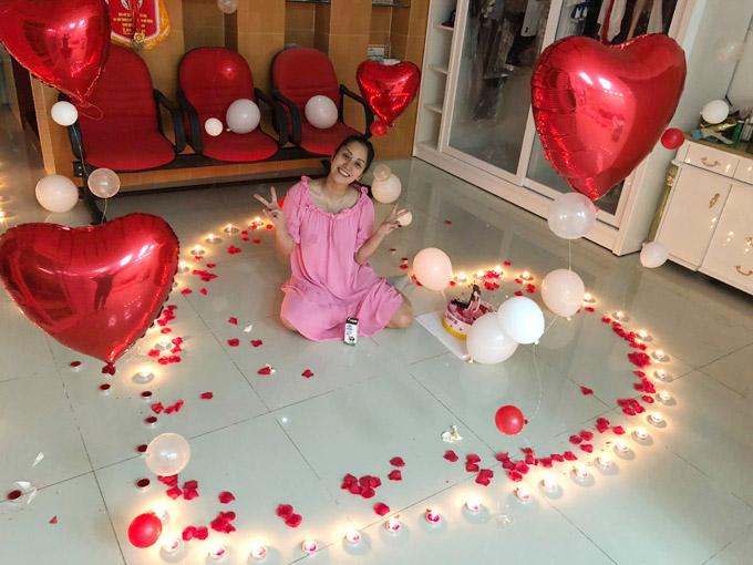 Khánh Thi trốn viện về nhà để tổ chức sinh nhật bất ngờ cho chồng - 5