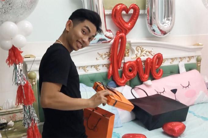 Khánh Thi trốn viện về nhà để tổ chức sinh nhật bất ngờ cho chồng - 7