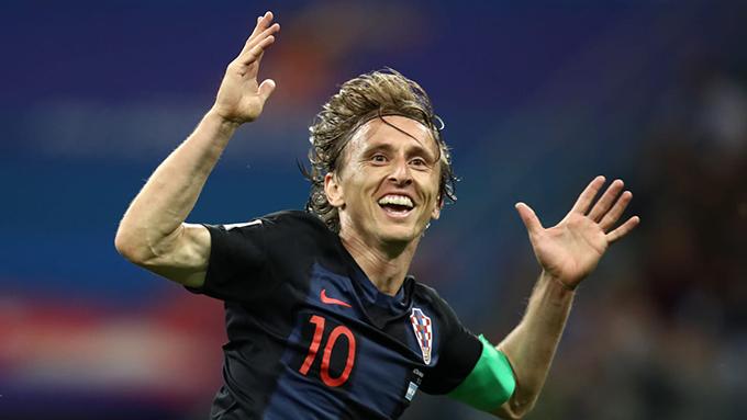 Trong khi đó, tiền vệ Modric của Croatia có màn trình diễn ấn tương. Anh lập một siêu phẩm với cú sút xa hiểm hóc khiến thủ thànhWilly Caballero bó tay.