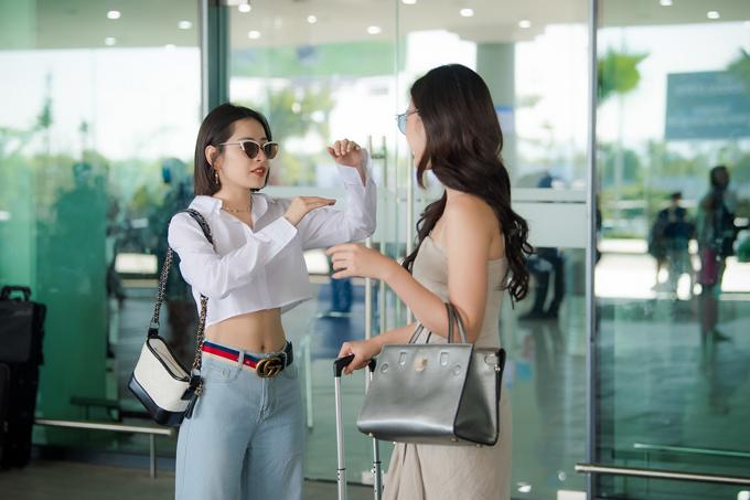 Chi Pu đọ vẻ sành điệu với Đỗ Mỹ Linh ở sân bay - 2