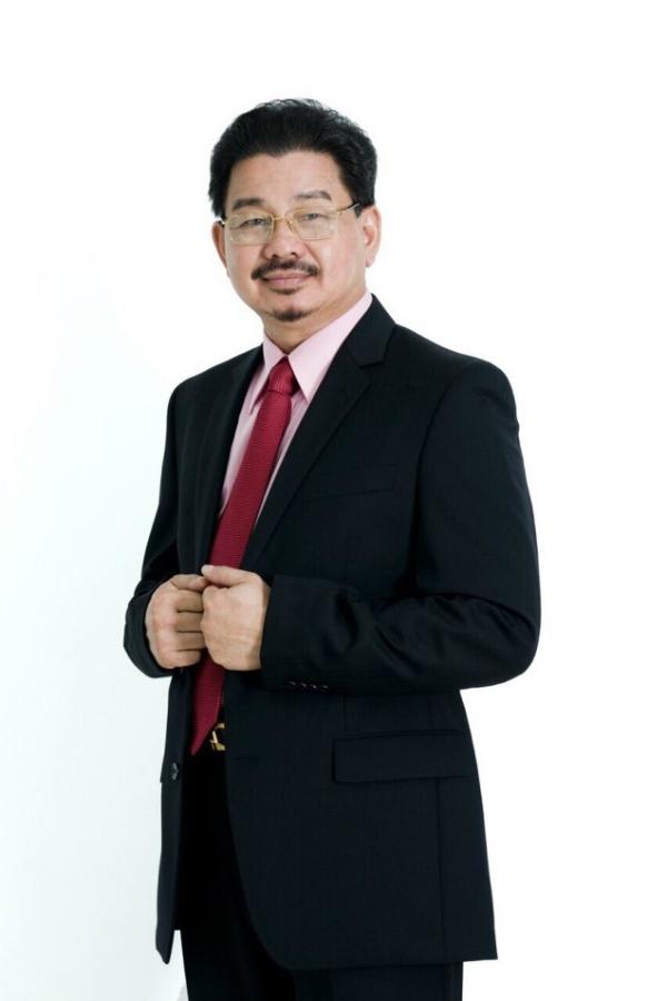 PGS TS BS Lê Hành, Chủ tịch Hội phẫu thuật thẩm mỹ TP. Hồ Chí Minh.