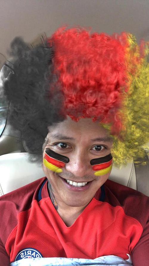 Tuấn Hưng chia sẻ Đức là một trong những đội bóng mà anh yêu thích nhất. Tương lai chưa rõ nhưng ngay lúc này họ có lối chơi quyến rũ nhất, nam ca sĩ lý giải.