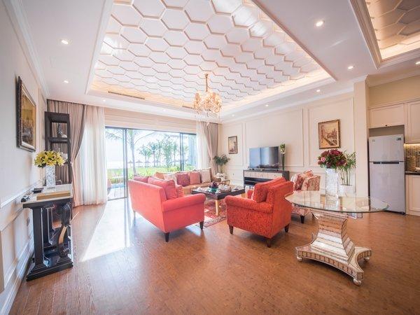 Vinpearl Phú Quốc Resort & Golf đẹp và sang trọng với thiết kế mang phong cách kiến trúc châu Âu, giá từ 2,7 đến 24,96 triệu đồng.