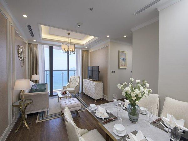 Vinpearl Condotel Empire Nha Trang là sự kết hợp tinh tế giữa thiết kế sang trọng và tiện nghi cũng là một sự lựa chọn thú vị với giá từ 1,9 đến 8,6 triệu đồng.