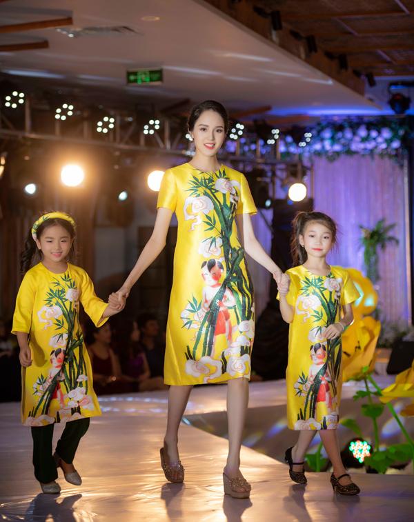 Á hậu Hoàng Anh catwalk cho Ngọc Hân sau thời gian vắng bóng - 2