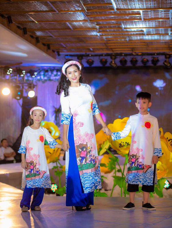 Á hậu Hoàng Anh catwalk cho Ngọc Hân sau thời gian vắng bóng - 6