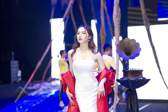 Đỗ Long phủ nhận thông tin Hương Giang đi trễ làm ảnh hưởng đến show