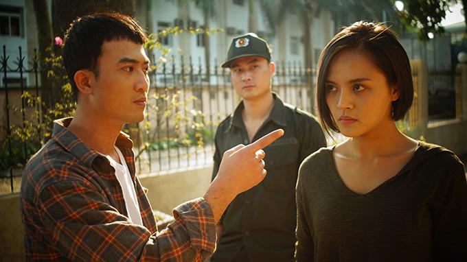Quốc Đam có vô số cảnh đánh đập bạn diễn nữ trong phim.