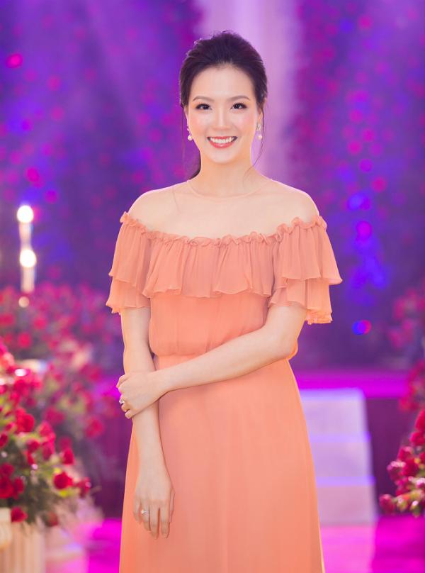 Bà Nguyễn Thị Trang Phương - Chủ tịch hội đồng quản trịchuỗi nhà hàng tiệc cưới Queen Plaza góp mặt tại sự kiện.