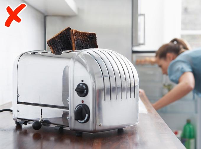 Khi mua máy nướng bánh, bạn thường thiết lập các cài đặt nhất định cho nó. Tuy nhiên, hành động này chỉ đúng khi bạn nướng cùng loại bánh mì có độ dày, kích cỡ y hệt nhau.  Nếu bạn nướng các loại bánh mì khác nhau, bạn cần phải thay đổi cài đặt, chế độ cho phù hợp mỗi lần bạn nướng. Bởi chất lượng của bánh nướng sẽ phụ thuộc vào loại bánh, độ dày và chế độ của máy khi nướng.