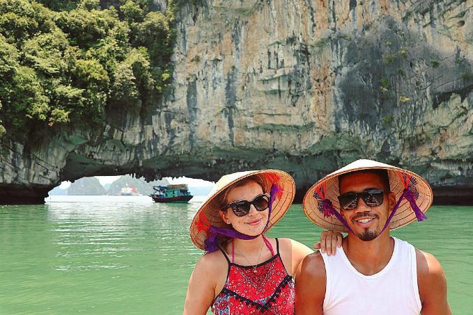 Những trải nghiệm rất Việt Nam của vợ chồng sao MU